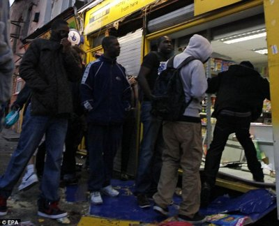 Black Looters in London